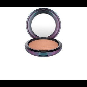 New Mac Extra Dimension Bronzing Powder Bronzer